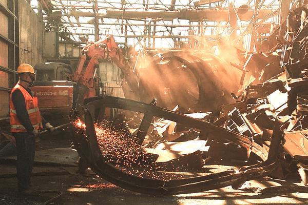 demolizione-industriale-mercato-metalli